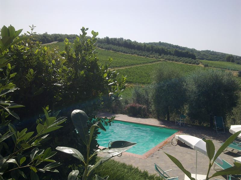 piscine à Casanuove La Torre (view of swimming pool, Casanuove La Torre)